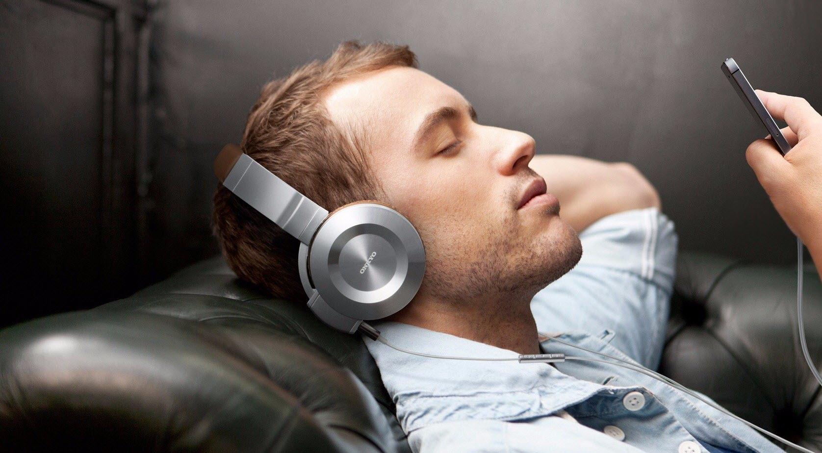 Как слушать радио на айфоне без интернета