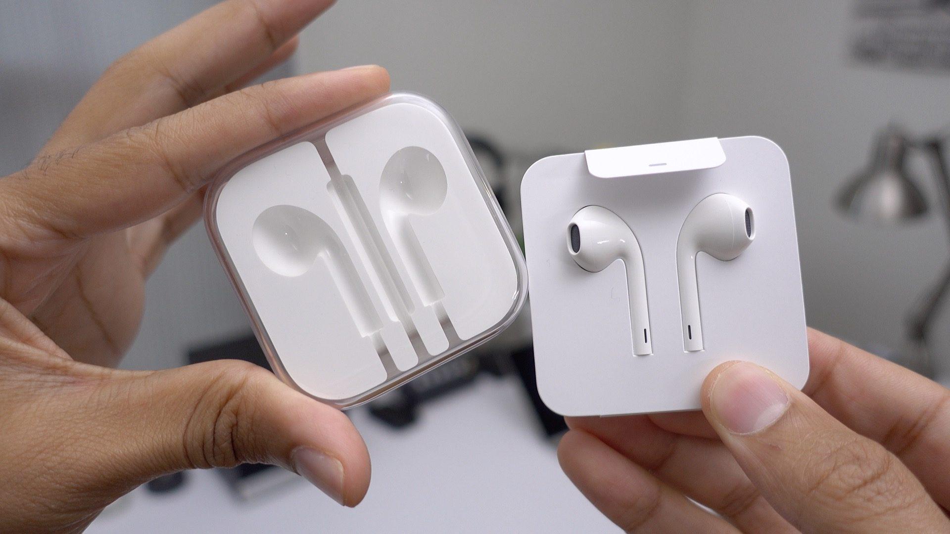 Упаковка Lightning EarPods