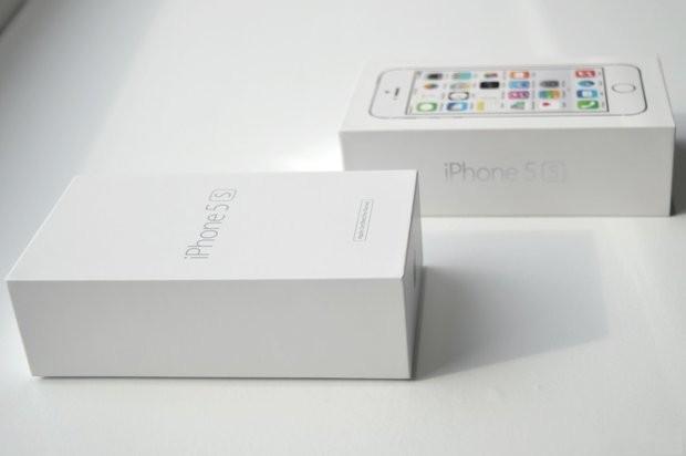 разница между коробками воостановленого айфона и нового