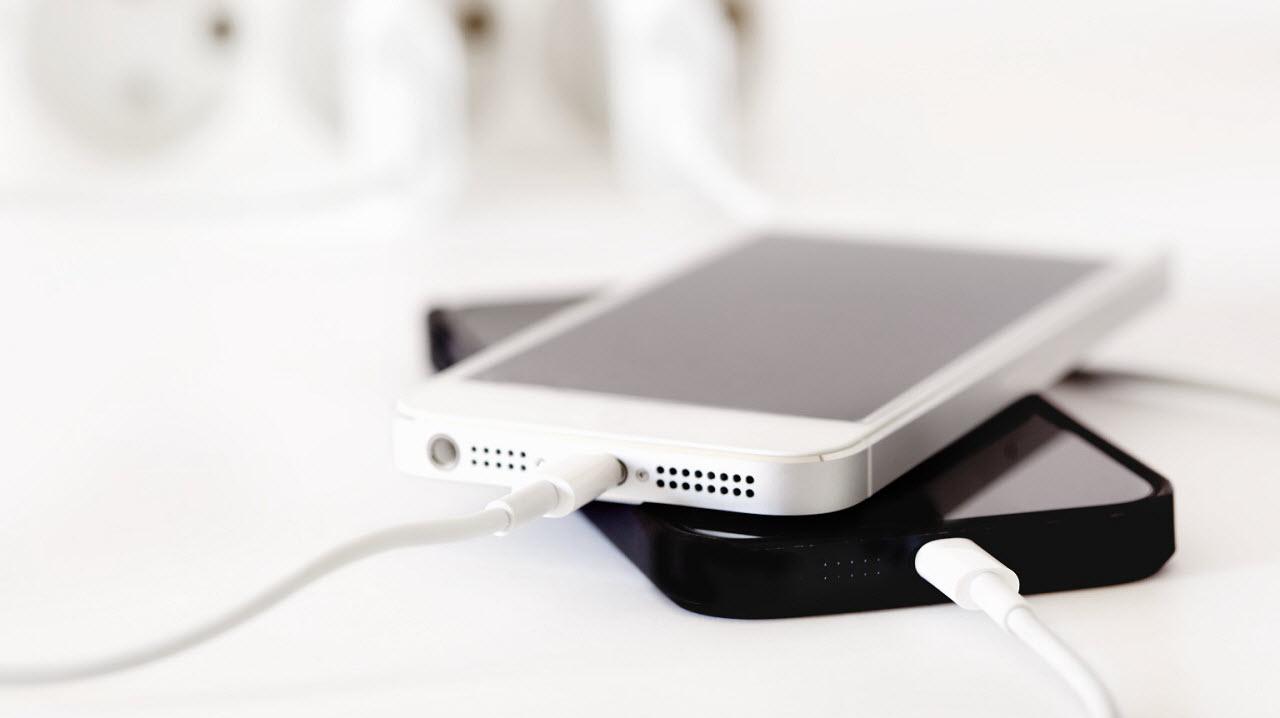быстро садится iphone