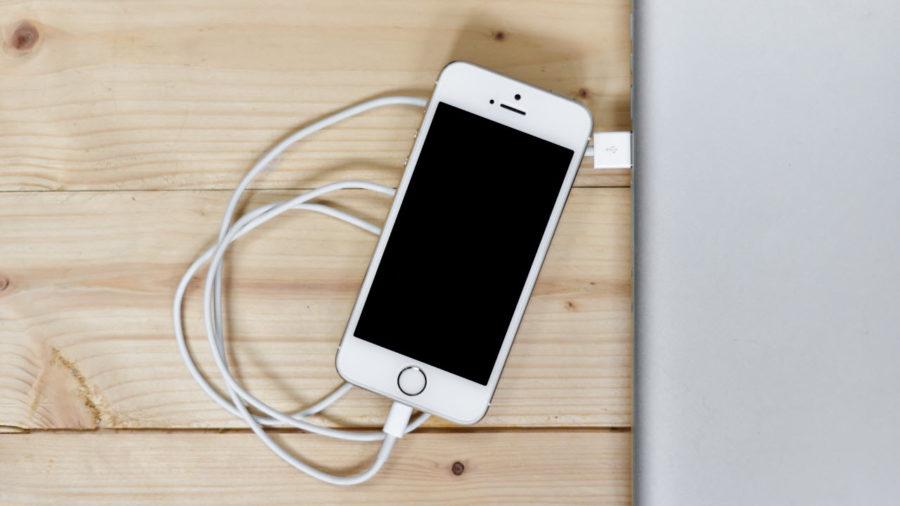 разряжается аккумулятор на айфоне