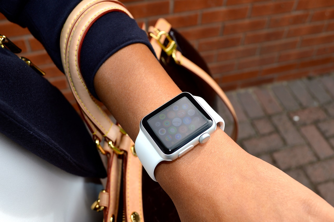 для чего нужны apple watch