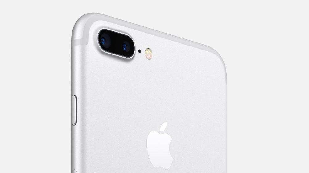Двойная камера iPhone 7 PLUS не боится грязи