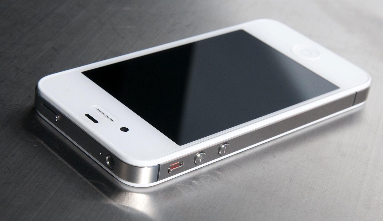Микрофон камеры на iPhone 4, 4S