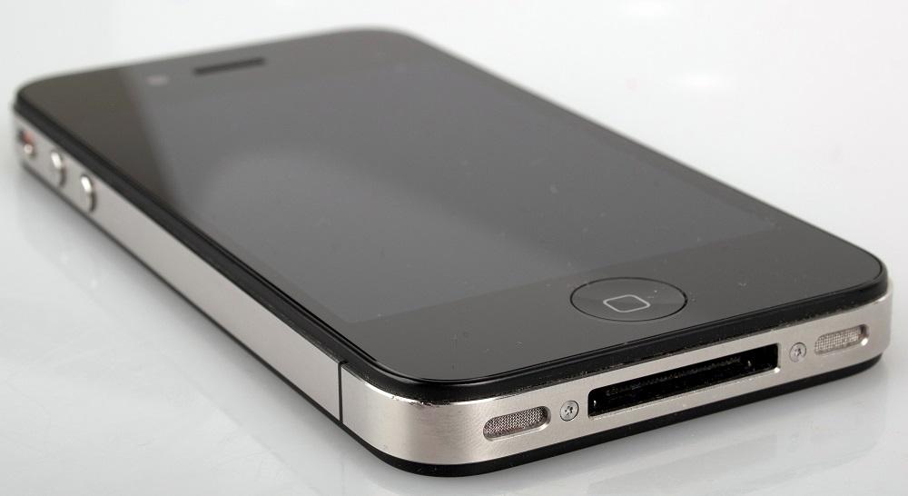 Основной микрофон на iPhone 4, 4S