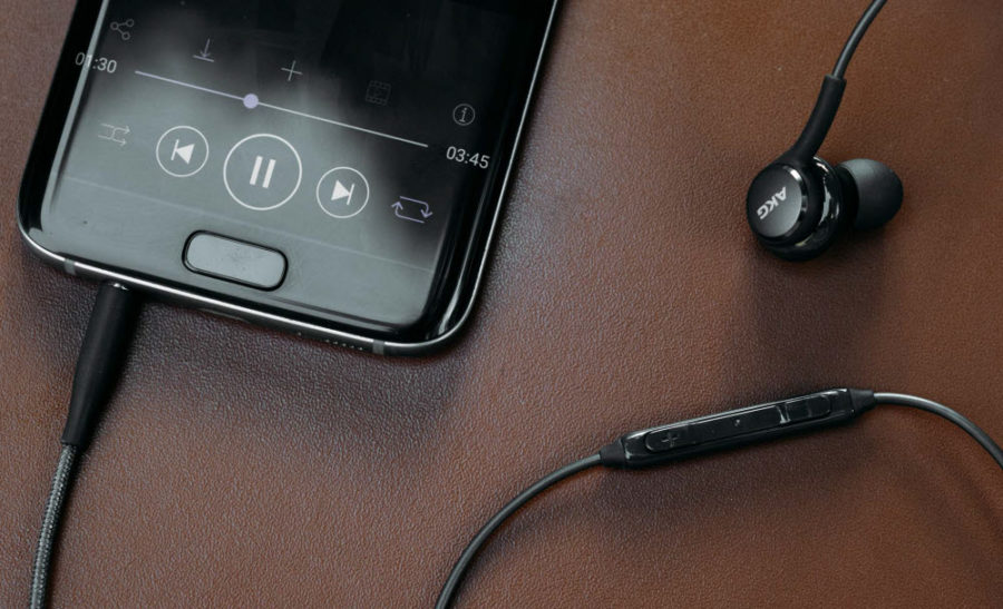 Samsung Galaxy S8 наушники