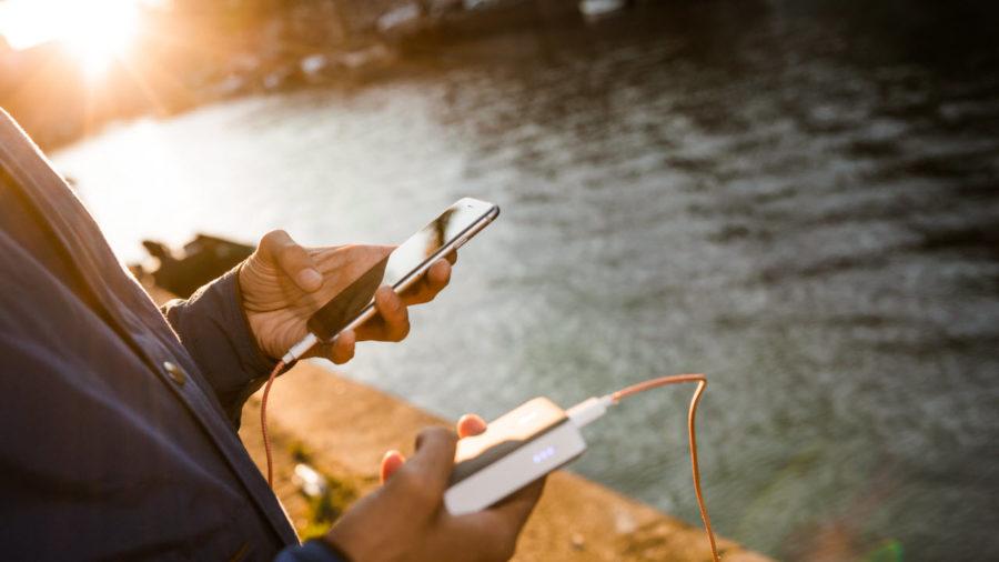 Как выбрать внешний аккумулятор для iPhone и iPad