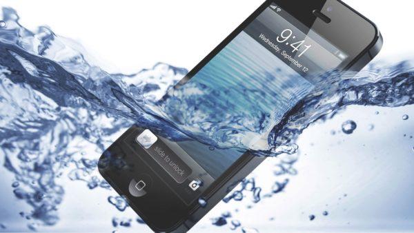 Айфон упал в воду что делать