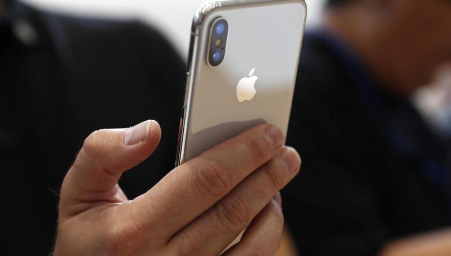 Способы зарядить iPhone X