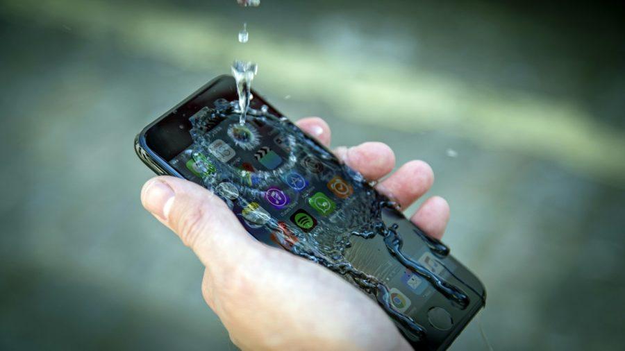 Может ли Айфон 8 фотографировать под водой