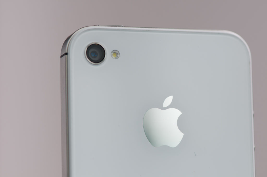 iPhone 4 and iPhone 4S Camera
