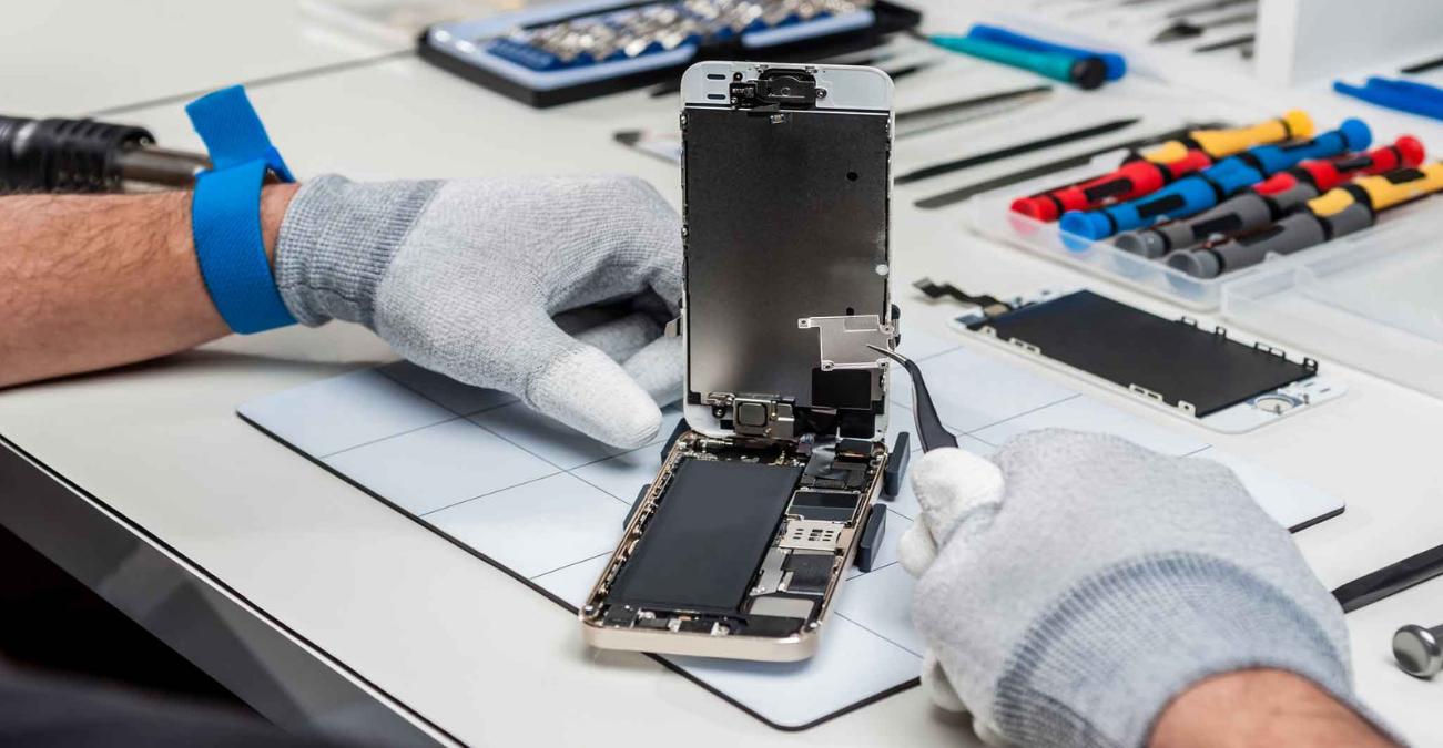 Замена разбитого стекла на iPhone