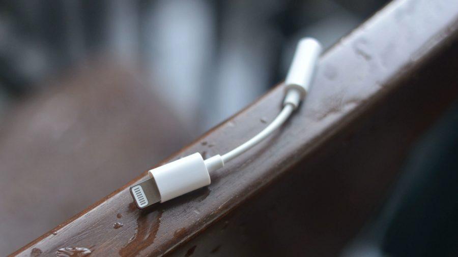 Apple может отказаться от переходника 3.5 мм