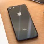 Apple начала программу по бесплатной замене материнских плат iPhone 8