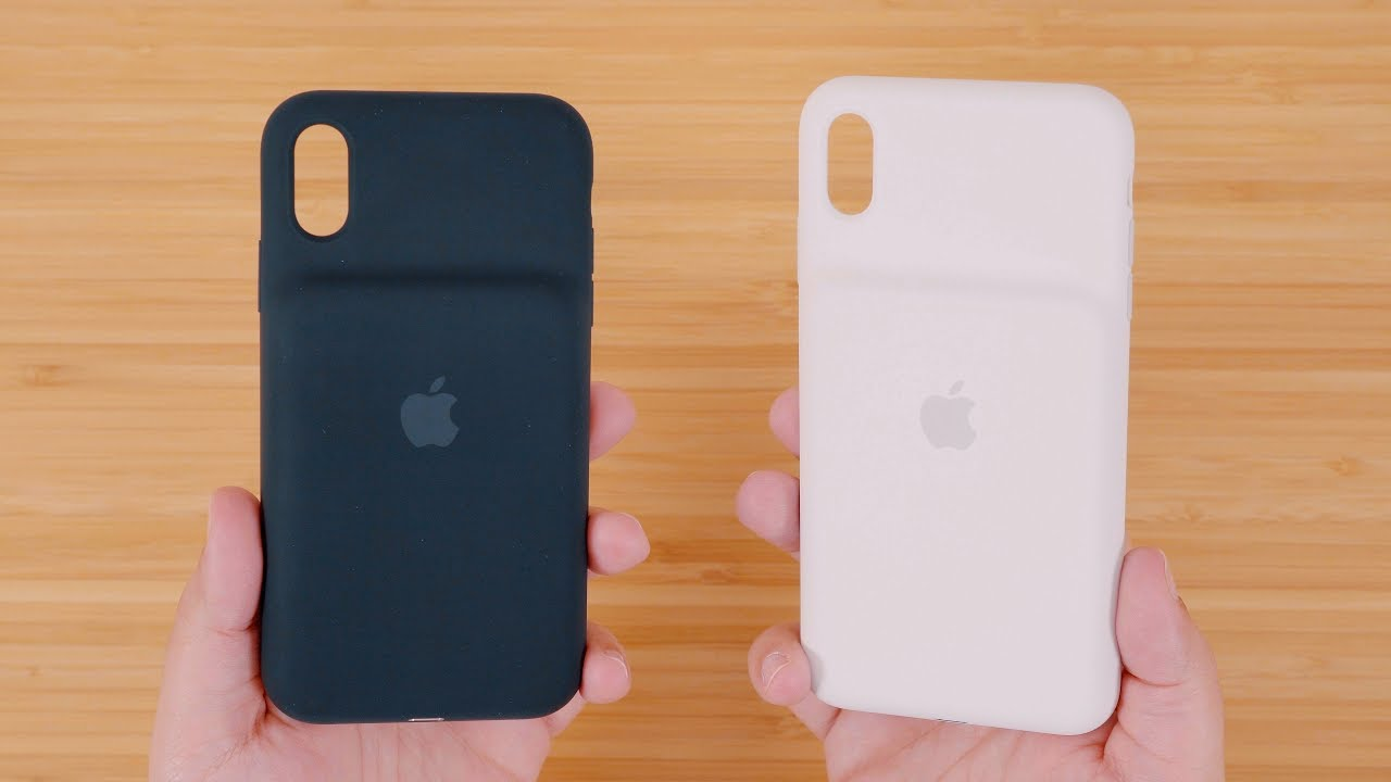 Black and White Smart Battery Cases for iPhone Xs and iPhone Xs Max
