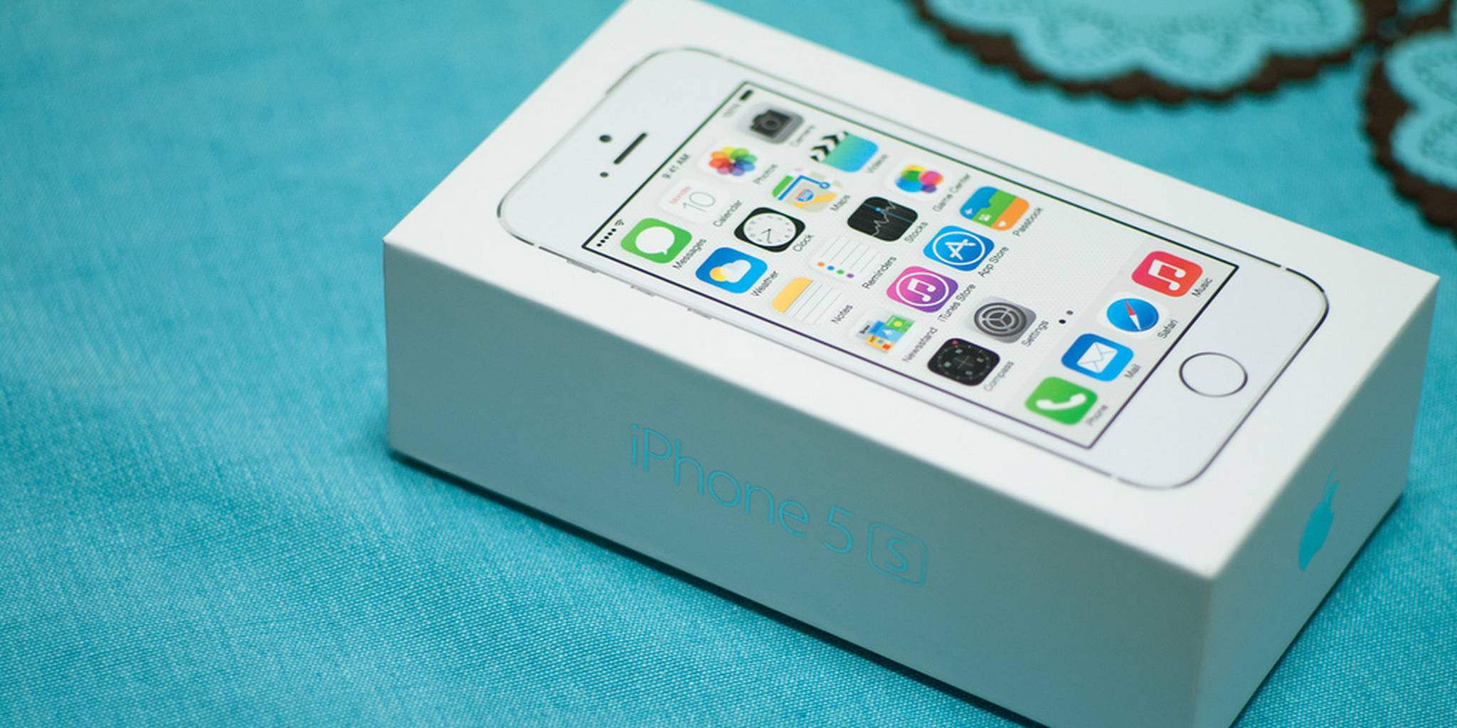 iPhone 5S in the box