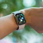 Как снять ремешок с Apple Watch Series 4?