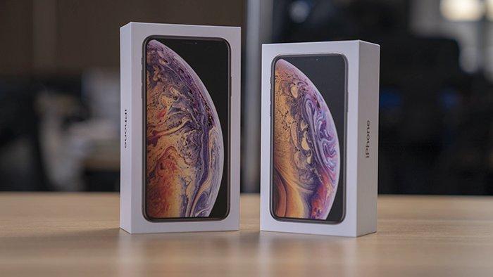 Коробки iPhone Xs Max и iPhone Xs