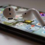 В будущих iPhone возможно появится подключение двух пар наушников