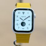 Как снять ремешок с Apple Watch Series 5?