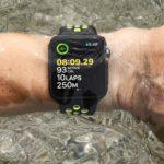 Можно ли плавать или принимать душ с Apple Watch Series 5?